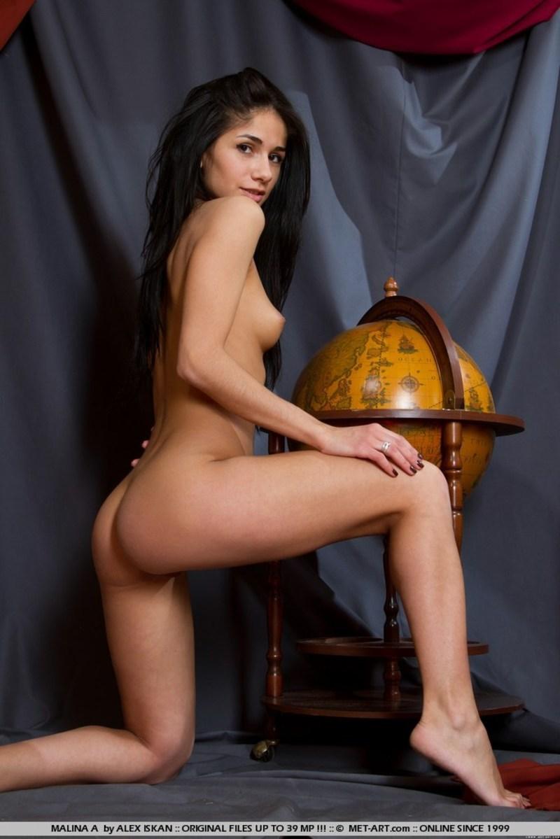Резюме проститутки с видео онлайн, чьи фото голых есть