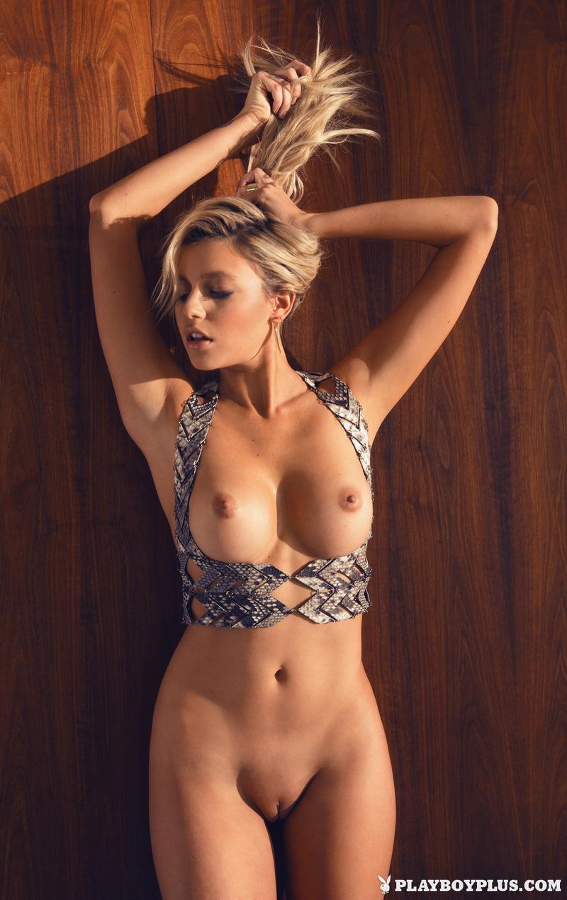 erotika-golie-seks-sims-sasha